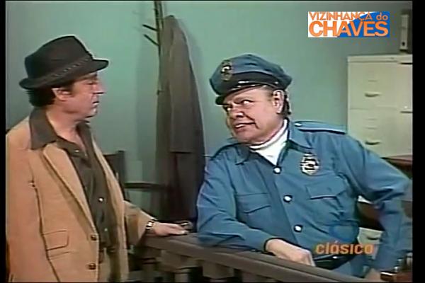 "Chespirito e Raúl Padilla, em ""La Chicharra"""