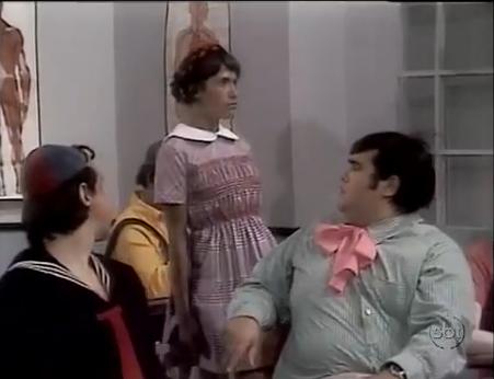 Alunos do Professor Girafales: Sentados, Godinez, Quico e Nhonho. Em pé, Elizabeth.