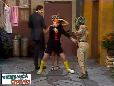 Chaves episódio inédito - Batendo uma bolinha - SBT - vizinhança do Chaves - imagem reprodução