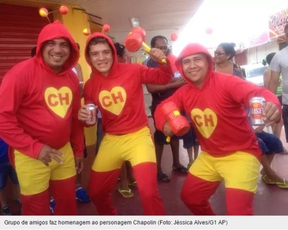 Carnaval 2015 Chaves Chespirito Chapolin homenagens - Chapolin grupo de amigos fantasiados no carnaval de Amapá - reprodução G1
