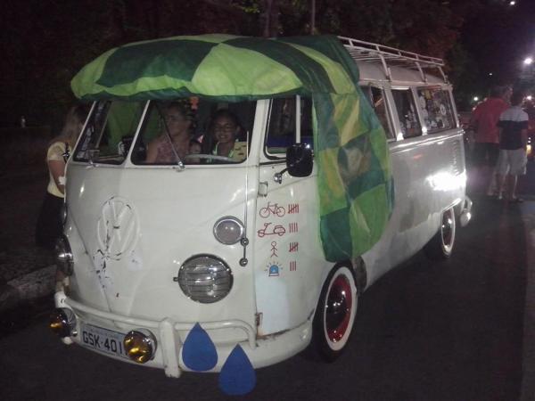 Fusca Poços - Poços de Caldas Minas Gerais MG - homenagem a Chaves Chapolin Chespirito Turma do Chaves Carnaval 2015 V