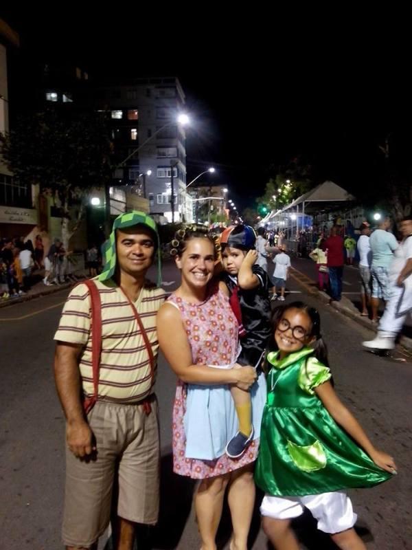 Fusca Poços - Poços de Caldas Minas Gerais MG - homenagem a Chaves Chapolin Chespirito Turma do Chaves Carnaval 2015 VII