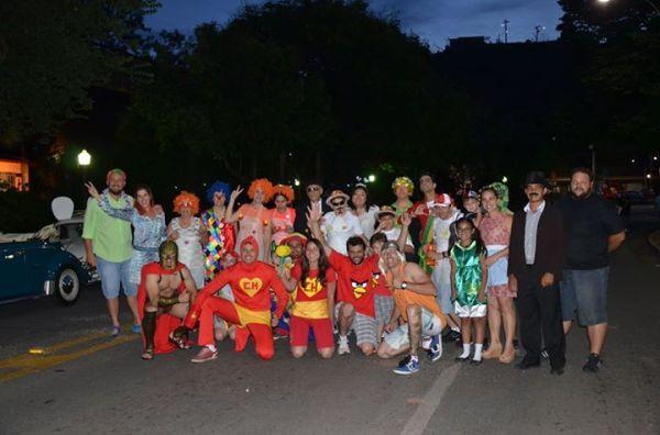 Fusca Poços - Poços de Caldas Minas Gerais MG - homenagem a Chaves Chapolin Chespirito Turma do Chaves Carnaval 2015