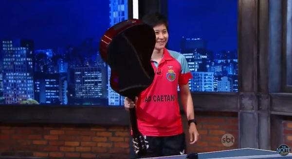 chaves pong ping pong tenis de mesa à la Chaves - The Noite SBT