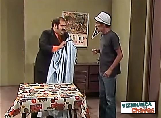 O fantasma da vila, de 1977, é o episódio de Chaves mais exibido pelo SBT em 2015 - imagem reprodução - Vizinhança do Chaves