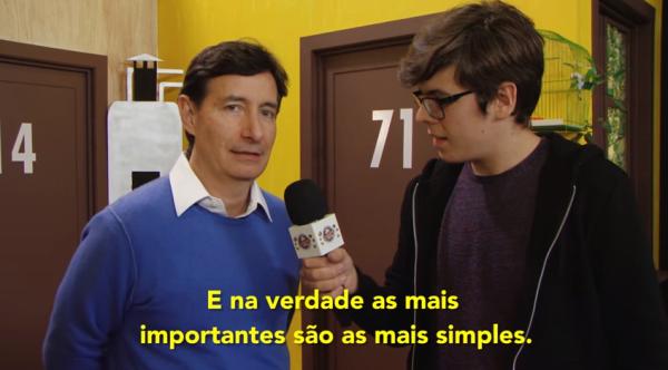 Canal do Youtube entrevista Roberto Gómez Fernandez, filho de Chespirito - imagem reprodução Pipocando Youtube - 2