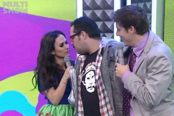 Tiago Abravanel com camiseta do Seu Madruga, no Multishow - imagem reprodução