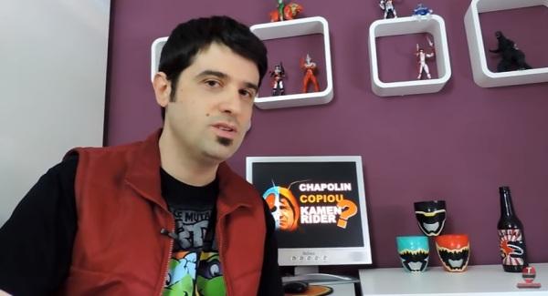 youtubers-analisam-semelhancas-entre-chapolin-e-kamen-rider-imagem-reproducao-youtube